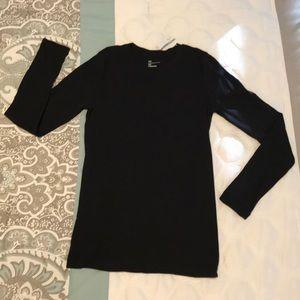 Gap The Essential Crew- Long Sleeve T-Shirt NWT